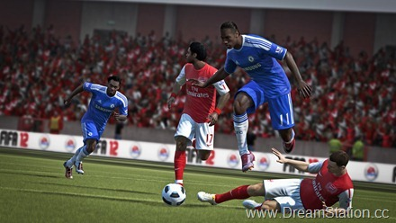 fifa12_x360_drogba_jump_over_tackle